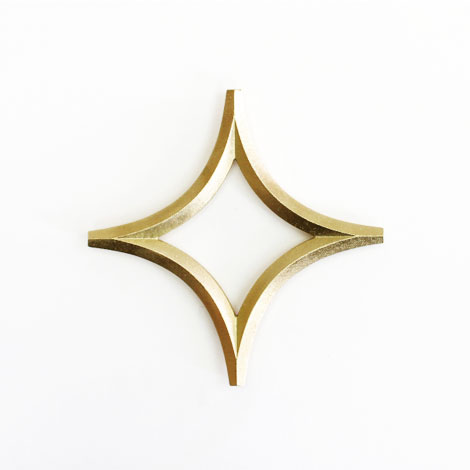 Metal_and_wood_oji_masanori_star_trivet